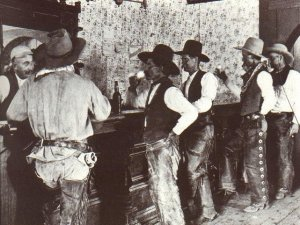 http://www.panhistoria.com/www/Wyatt/images/cowboysatbar.jpg